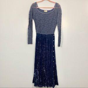 Vintage | 90's Blue Floral Long Sleeve Velvet Maxi